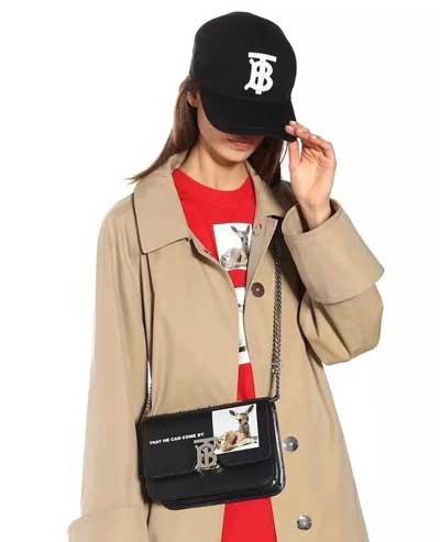 巴宝莉今年专柜最新TB字母标识棒球帽