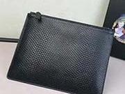 2NG003蛇皮纹大号 PRADA手拿包 官网同步 代工号224内码 意大利顶级压蛇皮纹牛皮质感极好走线 长26.5高19.5cm 蛇皮纹黑色